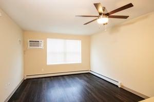 Madison Villa - Apartment Living Room