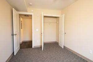 Madison Villa - Apartment Closet